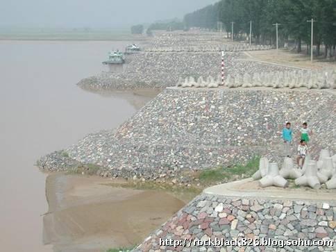 河南兰考县东坝头险工 东坝头险工(图片336~338)黄河九曲十八湾的