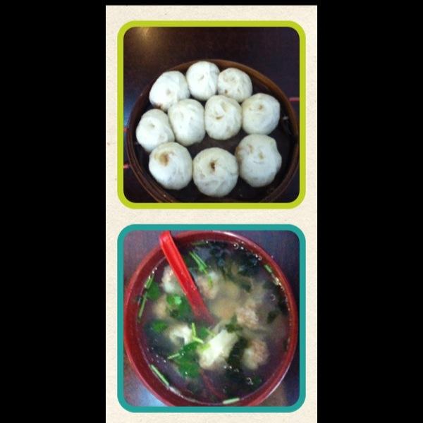 得真的比北京的好吃多了 种类也很多呢 话梅 山楂条 藕片都放入果脯
