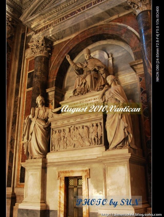 他们身穿窗帘布,这是500多年前米开朗基罗设计的.