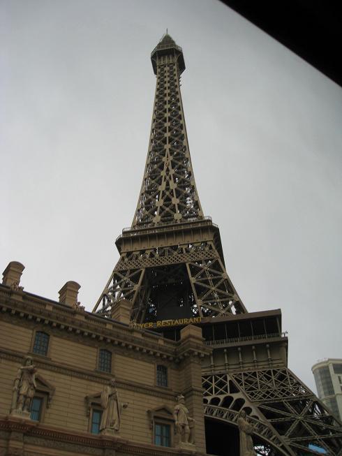 仿法国埃菲尔铁塔