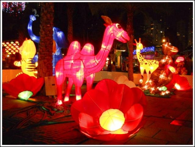 公园里还有怀旧彩灯,包括昔日的「茘园」游乐场