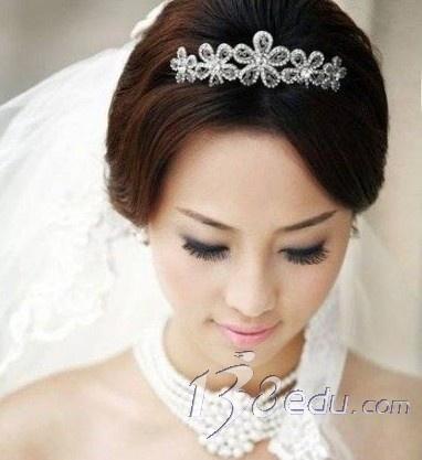 日系简单新娘盘发发型-2012最流行新娘盘发发型图片