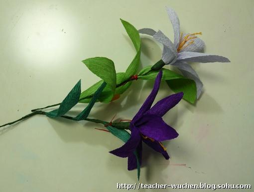 皱纹纸花--百合与康乃馨