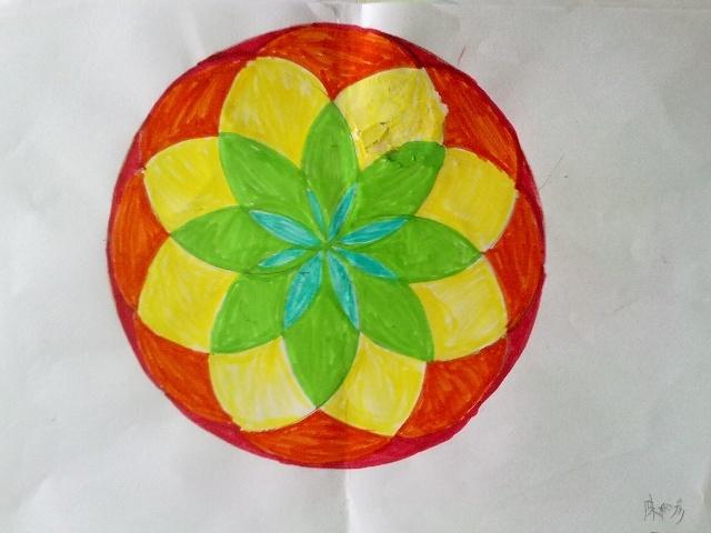 用圆规设计美丽图案图片大全 用圆规画出美丽的图案